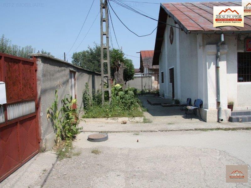 Hala productie din caramida cu teren betonat