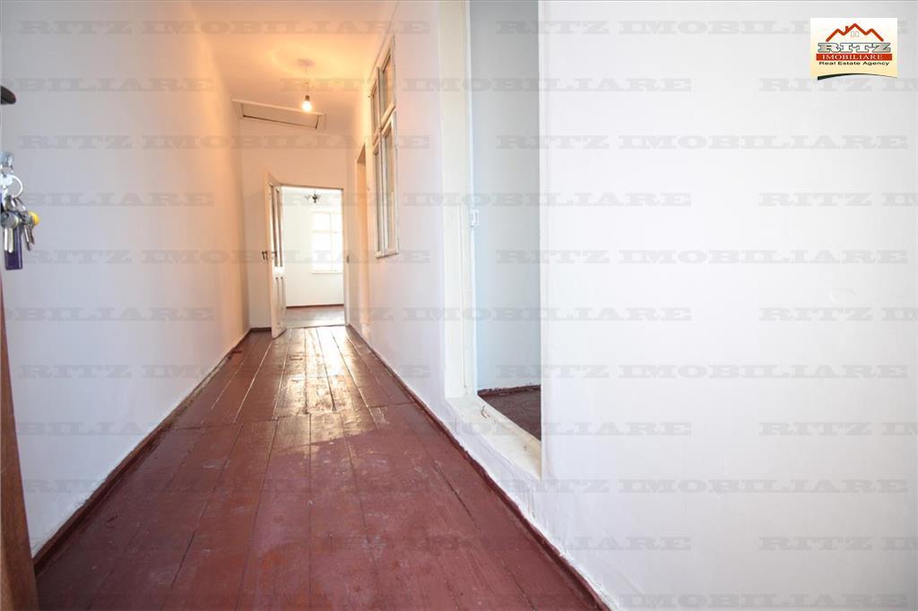 Etaj casa ideala pentru CABINET AVOCAT, CADASTRU, zona Judecatorie !