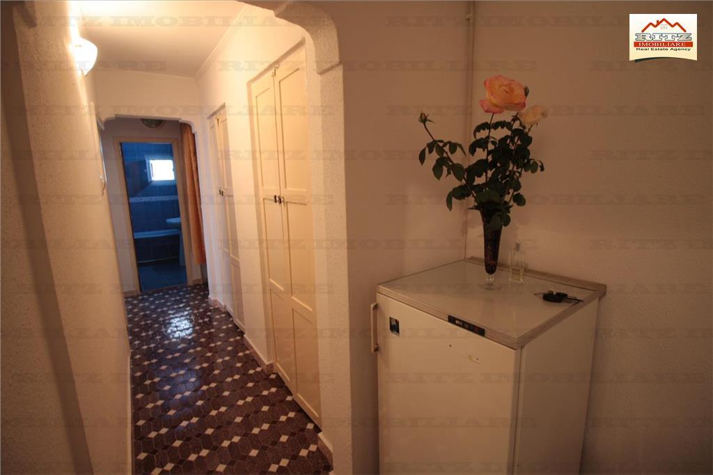 Apartament 3 camere decomandat, et 2/4, Zona Palatul de Justitie !!!