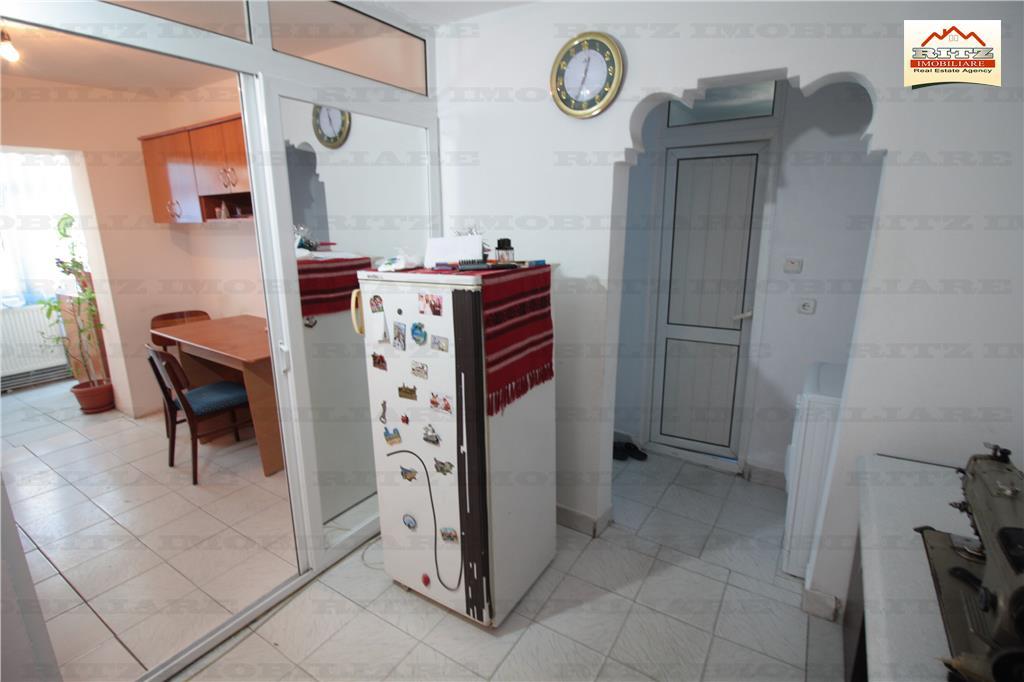 NOU ! 2 camere decomandat etajul 2,zona STEAUA ! COMISION 0%