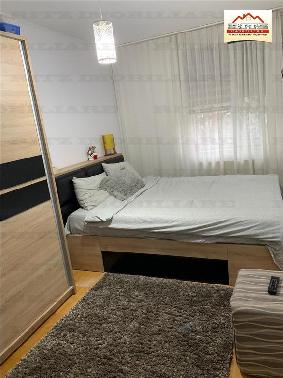 Nou! Apartament de inchiriat 3 camere , zona Liceul Economic ,1100 ron